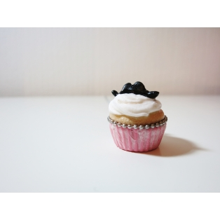 Cupcake + Moustaches