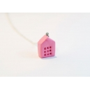 Petite Maison - Rose | Collier, chez laurette polymere fait main montreal maison collier