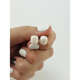 Boucles d'oreille, clou Guimauve blanche miniature - Chez Laurette
