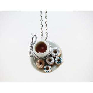 Collier - Petite assiette et tasse de thé & beignes blanc/bleu et feuille d'argent