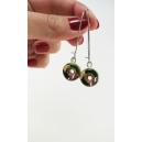 Boucles d'oreille pendantes de Noël - Beignes Vert forêt / cane de bonbon (rouge/blanc) & feuilles d'or | Acier inoxydable
